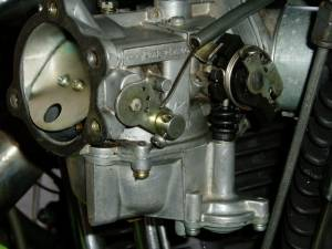3 4 Plugs >> IH: Carburetor, Intake Manifold & Exhaust Systems - Sportsterpedia
